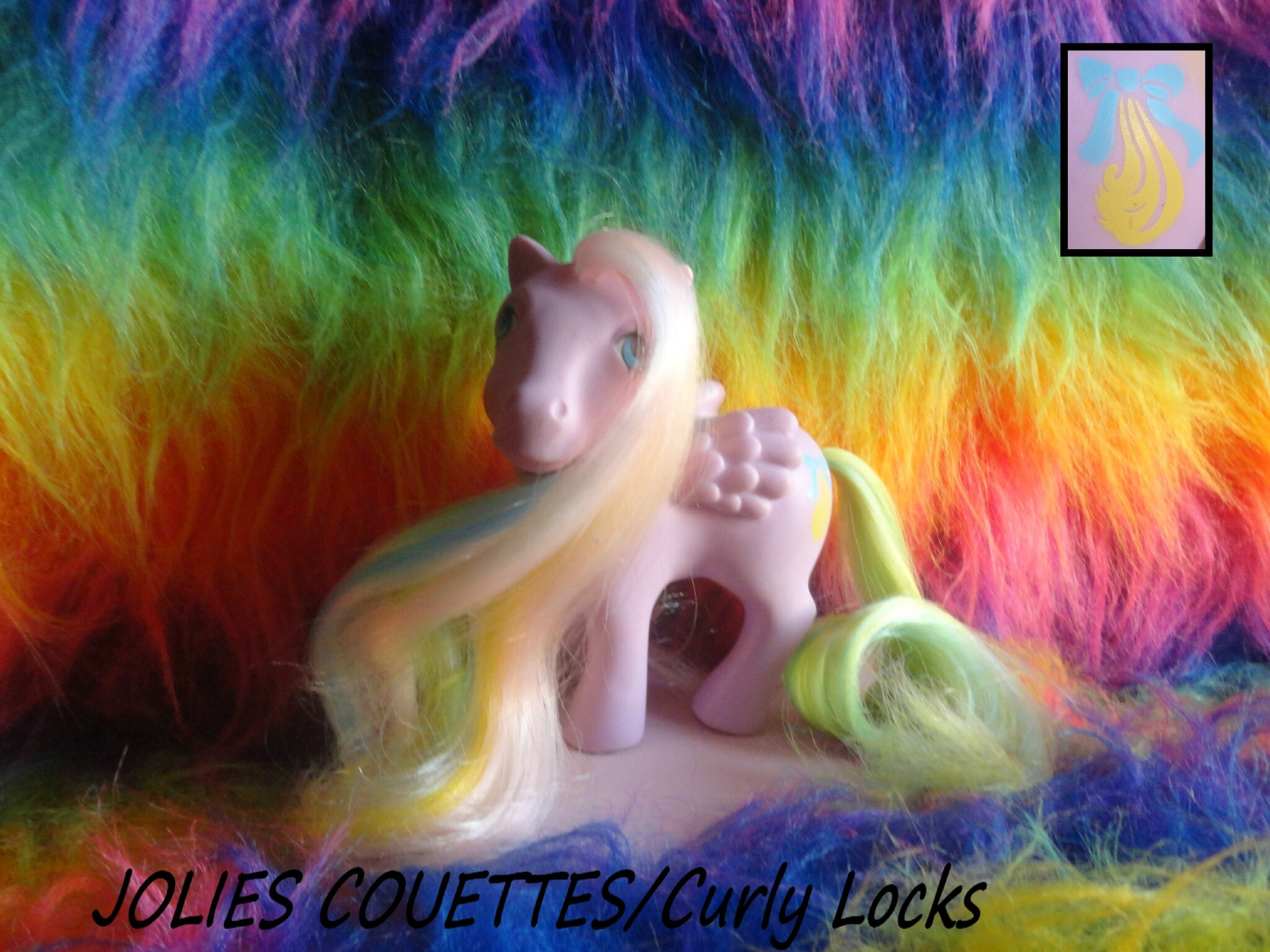 JOLIES COUETTES (Curly Locks)