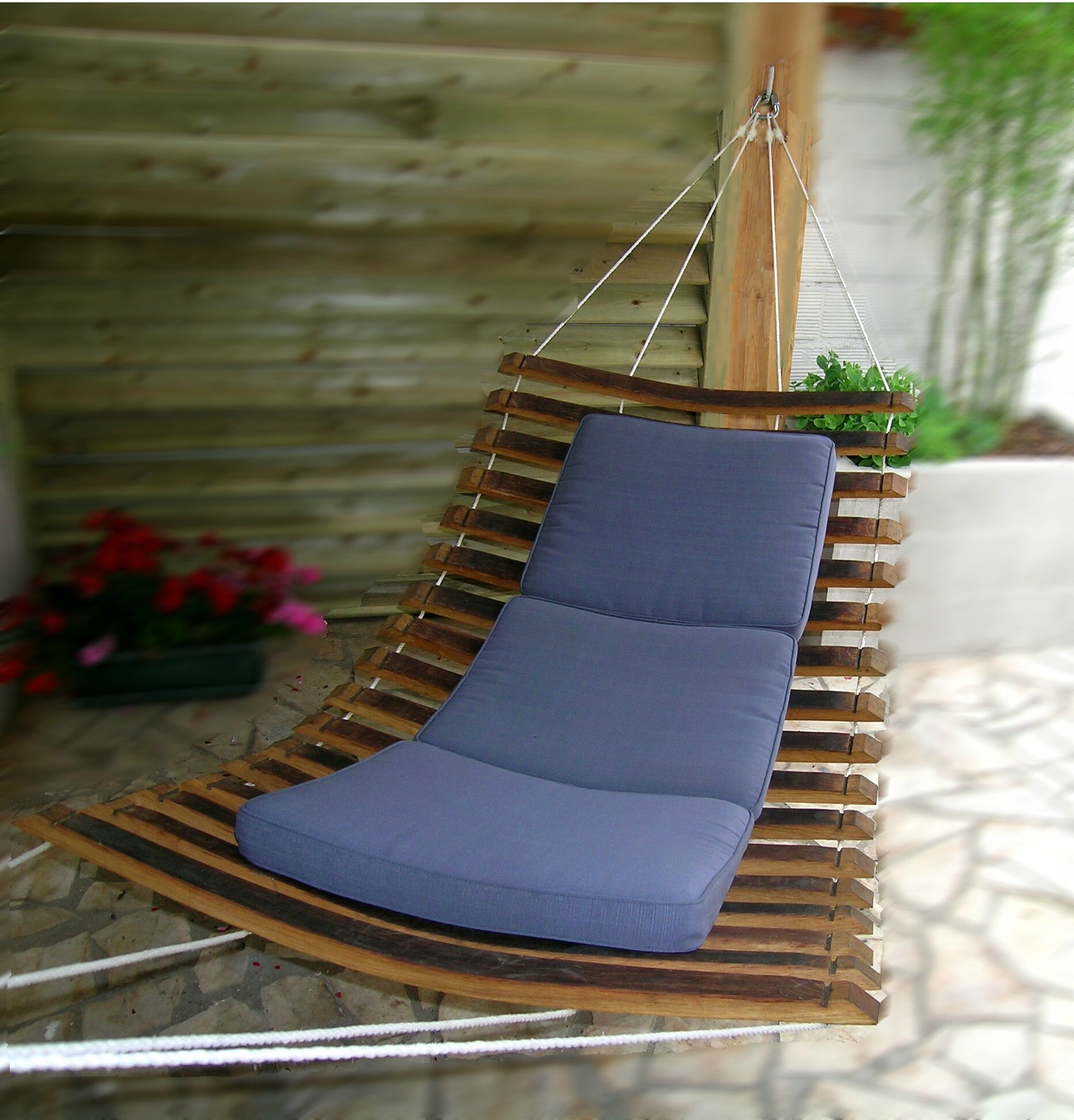 Hamac design en bois r alis en douelles de tonneaux mobilier de jardin douelledereve - Mobilier de jardin bois ...