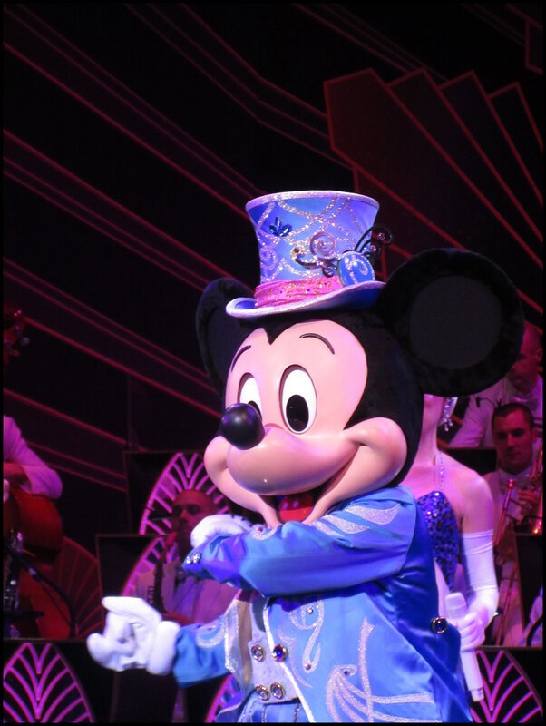 Mickey Christmas Big Band (12)