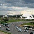 La cathédrale et le Musée de Niemeyer