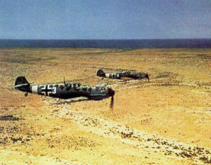 Bf_109Es_JG_27_on_flight_over_North_Africa_c1941