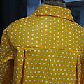 Ciré AGLAE en coton enduit jaune soleil à pois blancs fermé par un noeud dans le même tissu (1)