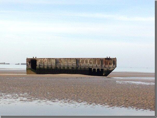 Carrés de la paix en bord de mer…