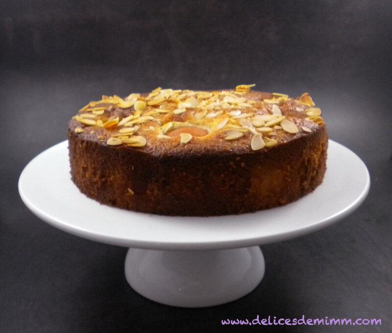 Gâteau fondant aux amandes et aux abricots 5
