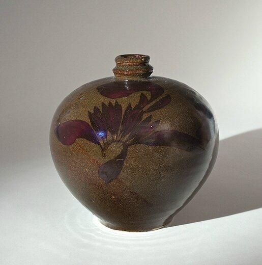 A 'Tea-Dust' Glazed Bottle Vase With Birds in Flight