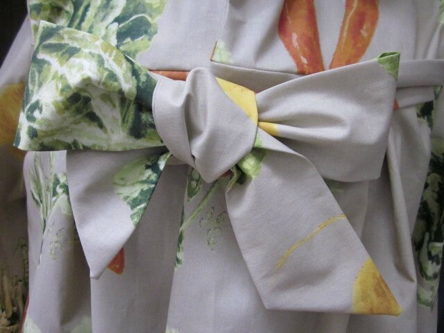 Ciré en coton enduit beige imprimé navets salades et piment - esprit jardinier - TU (4)