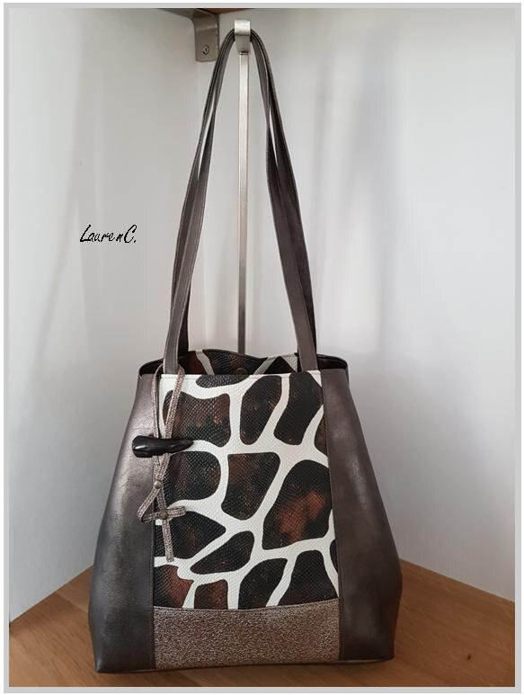 SAC SIMILI BRONZE PAILLETTES GIRAFE CARRE