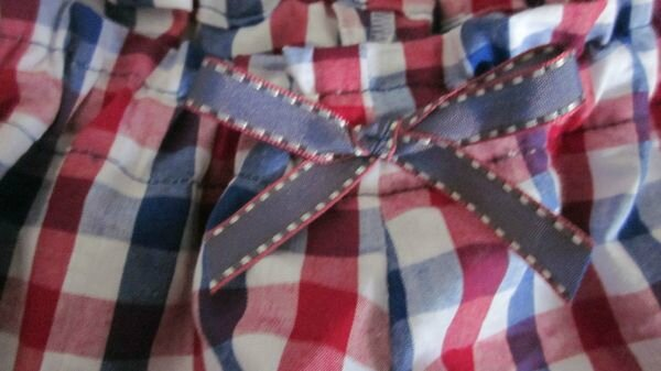 Culotte en coton vichy blanc-rouge-marine et noeud assorti