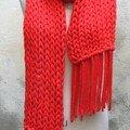 Maxi écharpe maxi maille : fil tricotiné