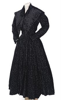 A black velvet dress and collar. Eisa, 1950. Image 2009 Christie