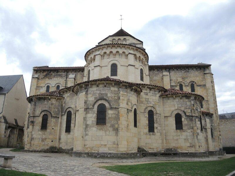 Nevers, église Saint Etienne, extérieur, le choeur (58)