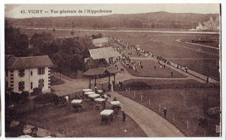 03 - VICHY - Vue générale de l'hippodrome