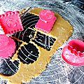 Emporte-pièces pour petits biscuits bios faits maison : on s'amuse...