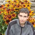 2008 09 18 Cyril devant ses rudbeckias