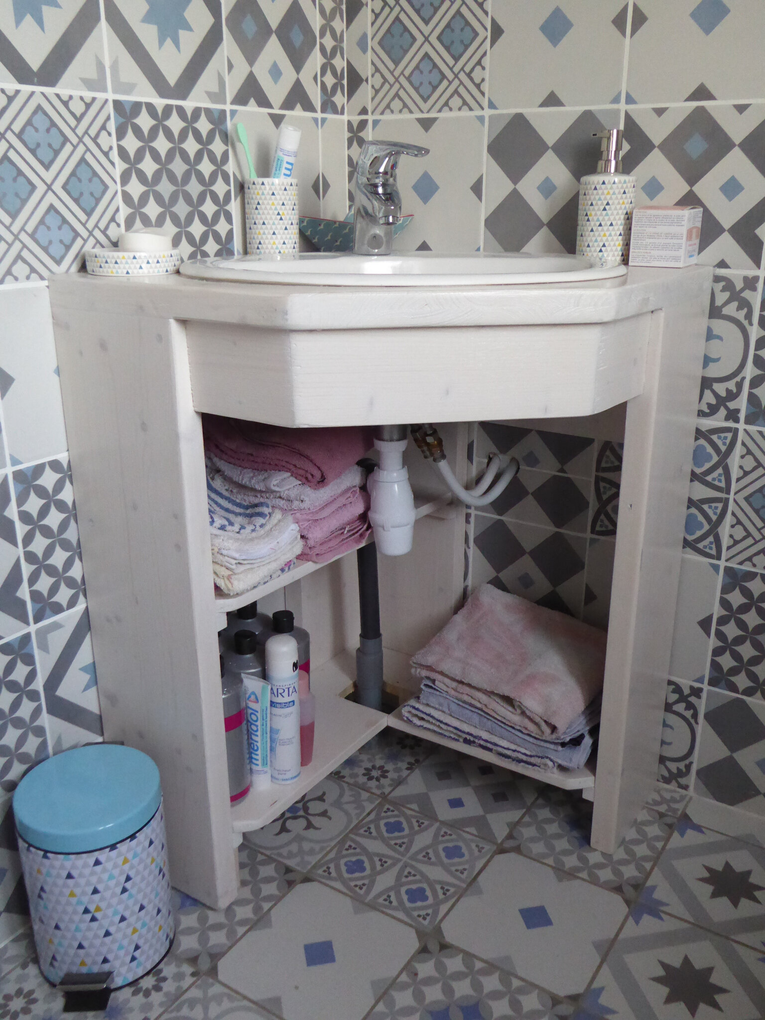 ma salle de bain le blog de l 39 arlesienne. Black Bedroom Furniture Sets. Home Design Ideas