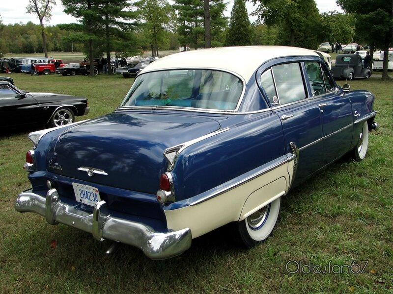 plymouth-savoy-sedan-1954-b