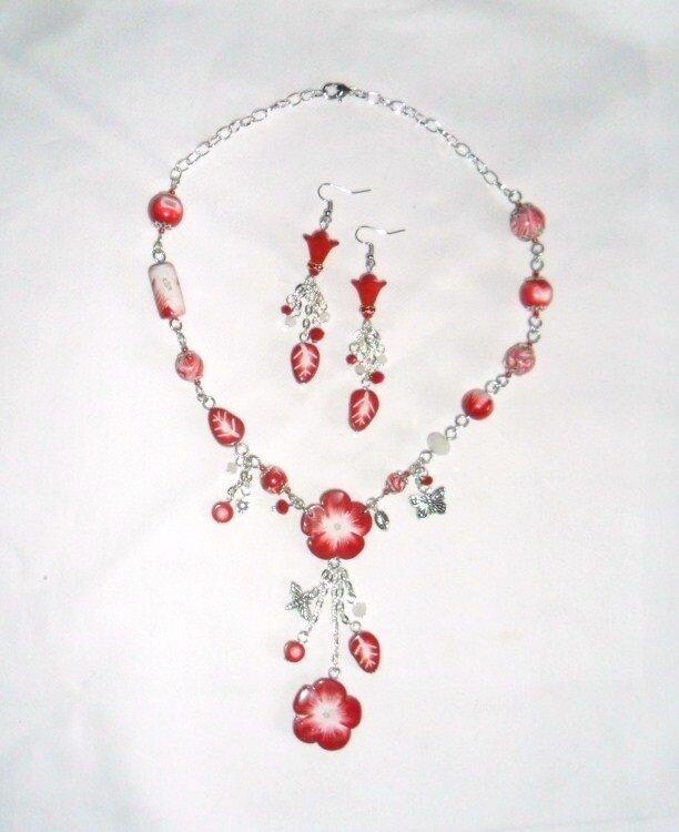 rouge collier fleur 1-2