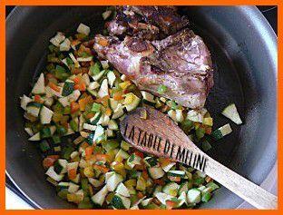Poulet, timbale de poivrons, sauce crémée au chorizo pm