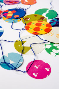 paper_confetti_engel_3_low_res