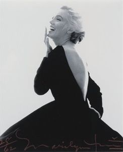 MM_stern_black_dress