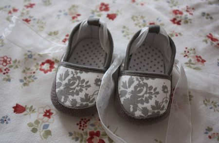 petits_chaussons_gris