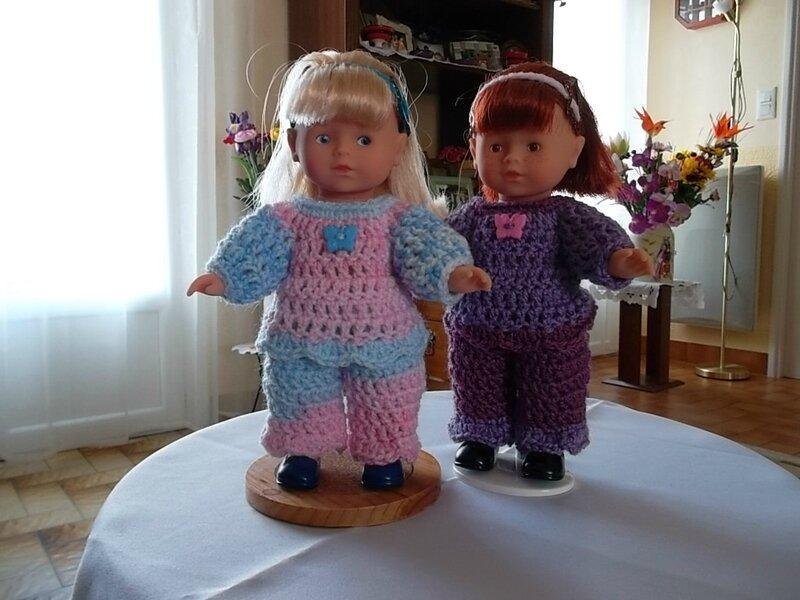 Manon & Marion avec leurs jolies tenues ( Nelle)