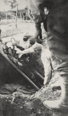 inhumation, cimetière mili de Faucoucourt, 1916 (1)