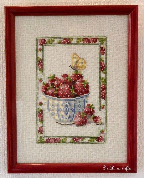 Tableau brodé sur le thème des fraises