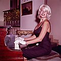 jayne_pink_palace-inside-lounge-piano-1-1