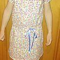 Petite robe à taille coulissée des nipe