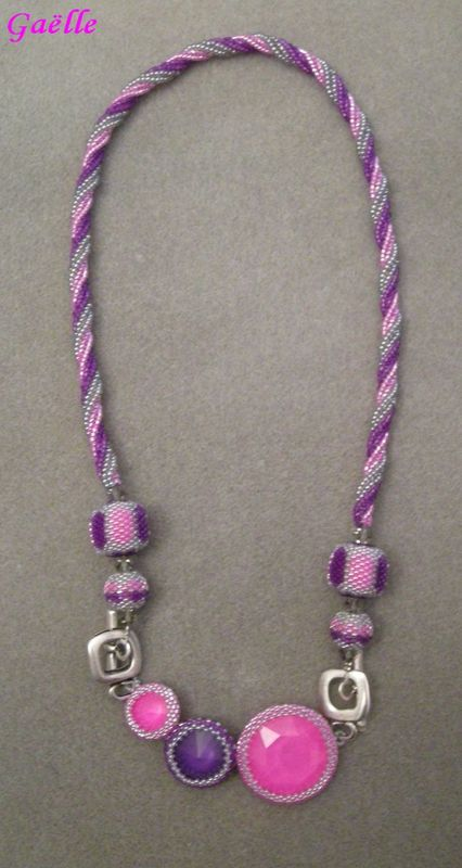 COLLIER ULTRA ROSE VIOLET 1
