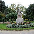 Statue au Jardin Royal