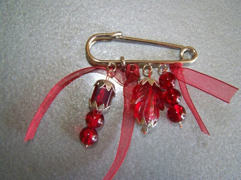 broche-broche-rouge-759789-100-4063-aa437_big