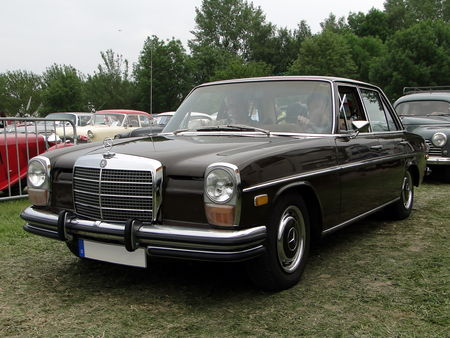 MERCEDES BENZ 250 Berline W114 version US 1968 1976 Retro meus Auto Lac de Madine 2010 1
