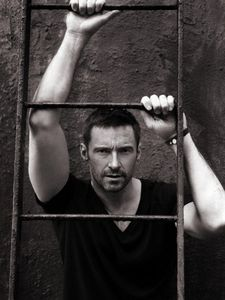 Hugh_Jackman_photoshoot_2010_hugh_jackman_16675626_360_480
