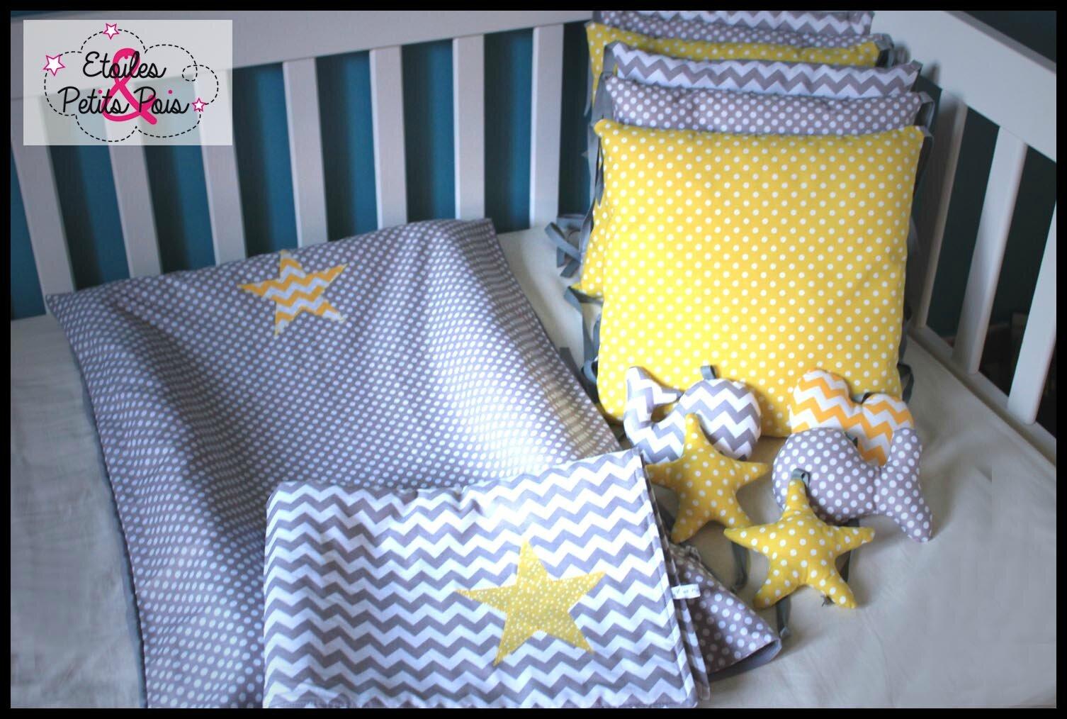 Chambre bébé et décoration en moutarde jaune et gris - Etoiles et ...