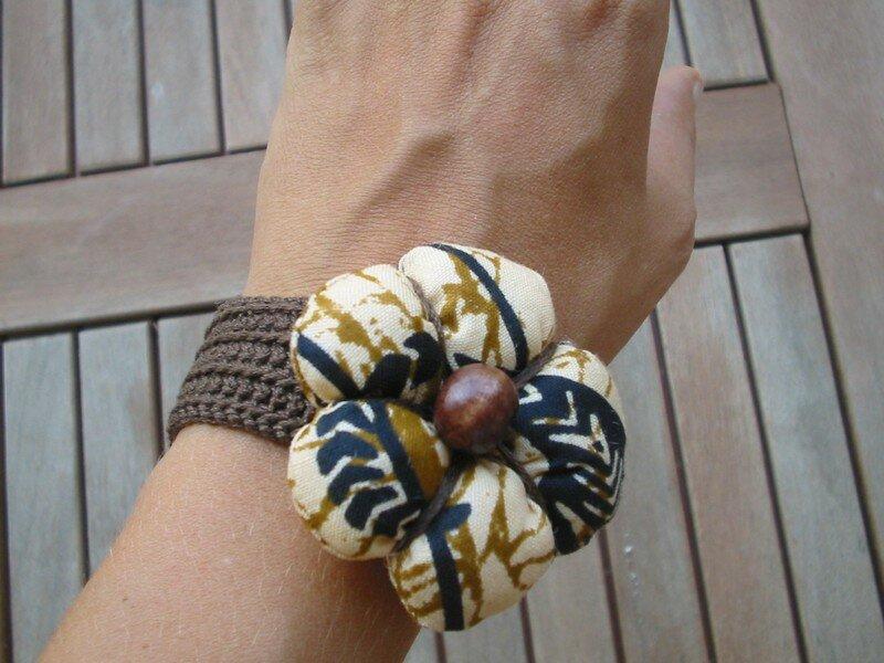 bracelet flower , tissu et fil au choix