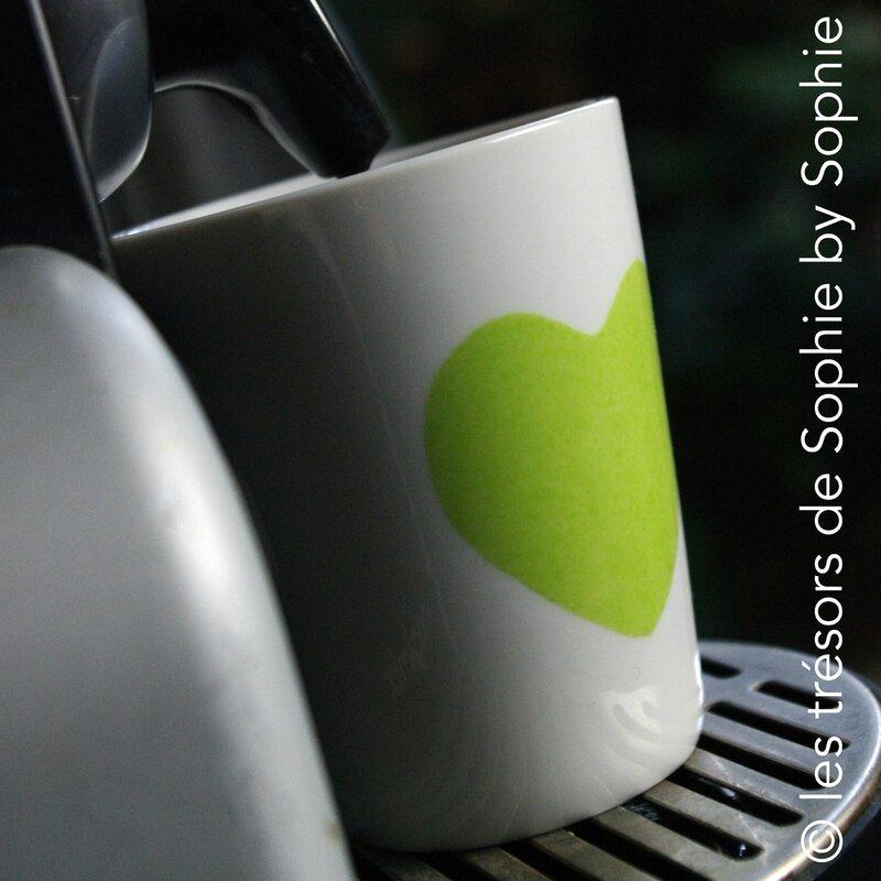 Porcelaine peinte à la main chupito coeur vert et café © les trésors de Sophie by Sophie