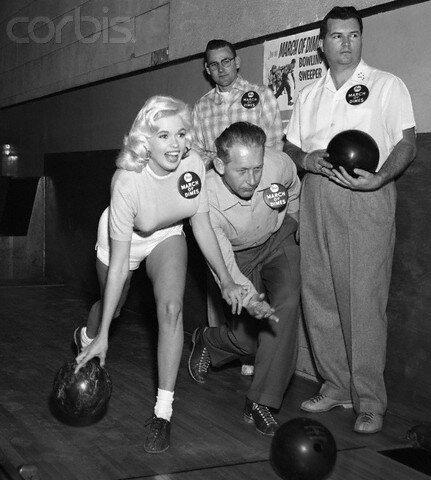 jayne-1957-01-25-LA-bowling-1