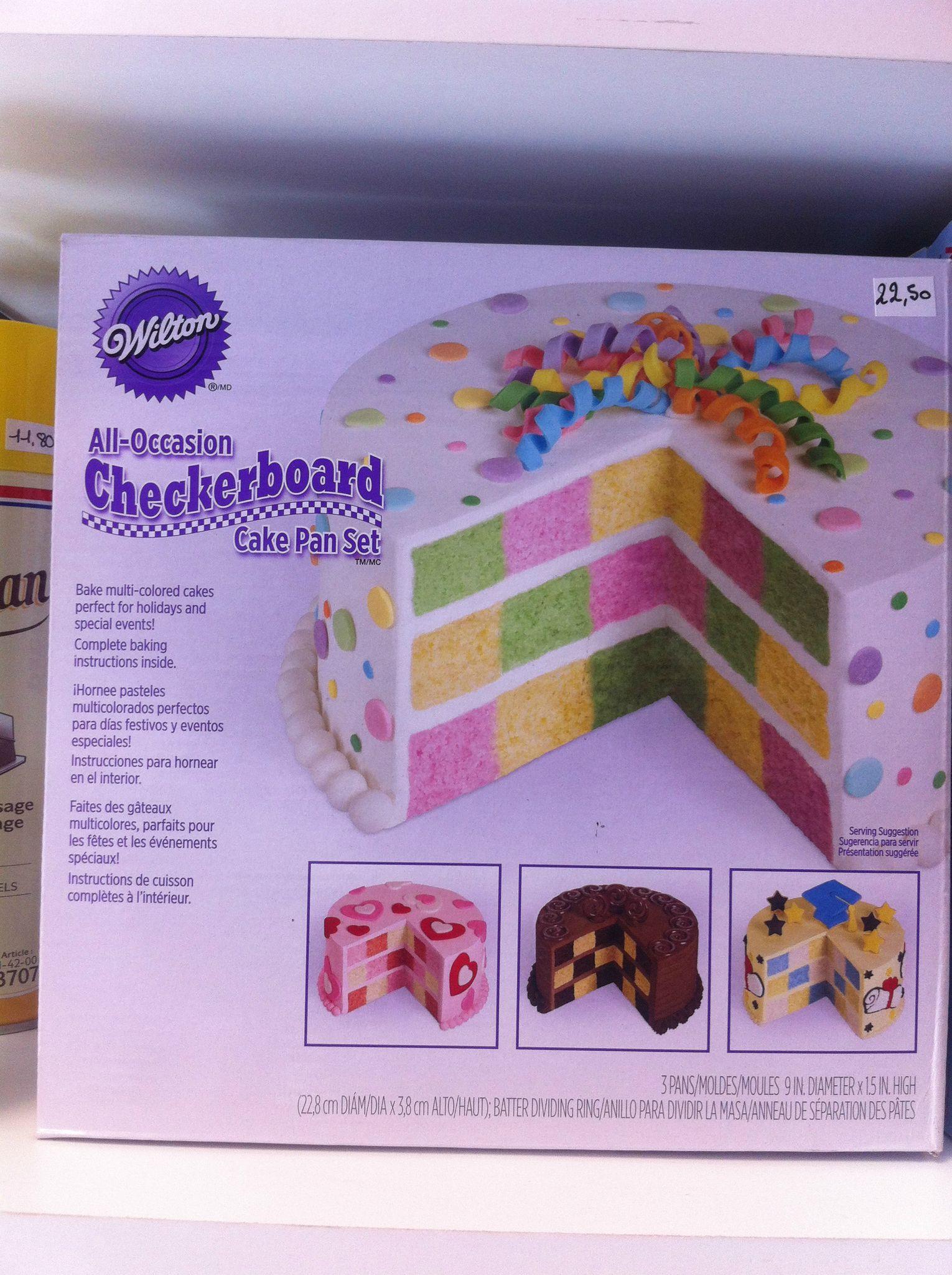 Créez un gâteau original grace à ce lot de 3 moules et leur séparateur de  pâte inclus.