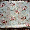 1310 - tissu ancien napoleon iii 34 x 56 cm motif fleuri et rayures rose pale
