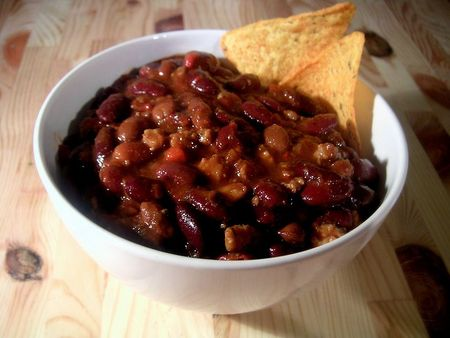 800px_Bowl_of_chili
