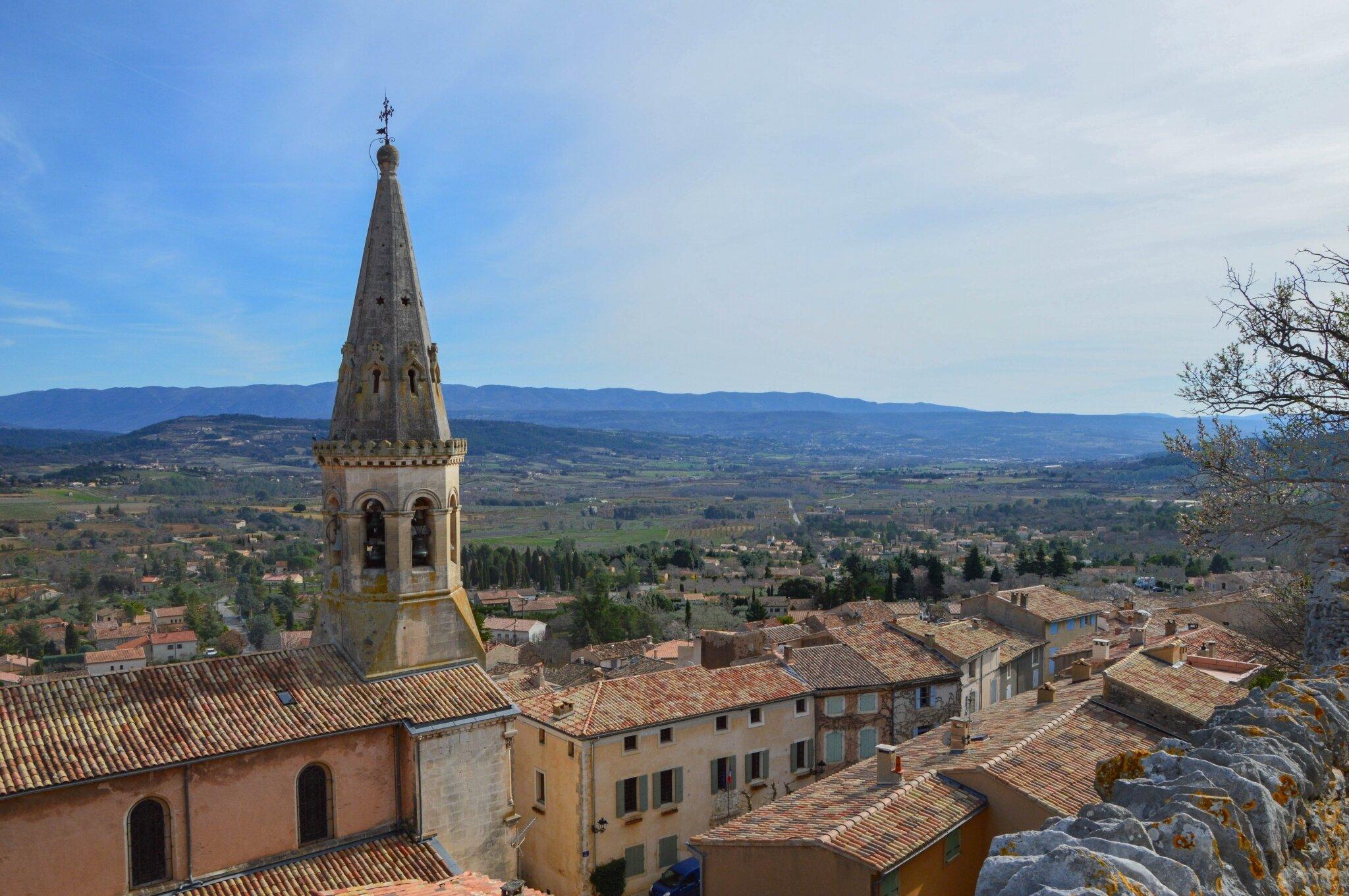 Saint Saturnin les Apt (village)