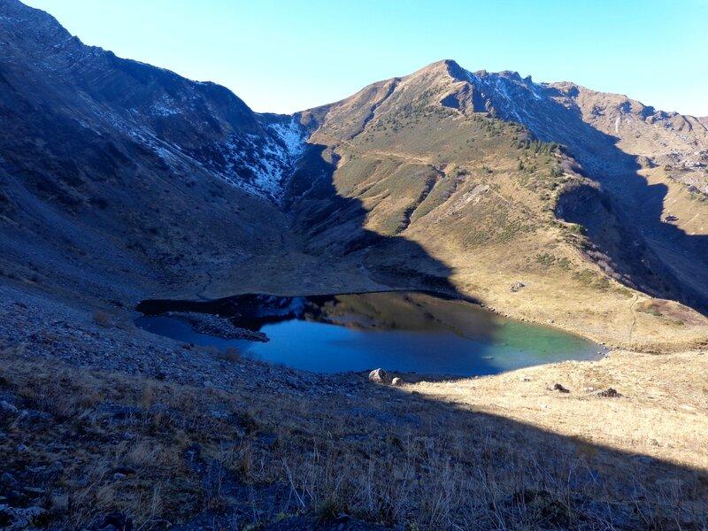 Le lac de Tavaneuse, un peu ombragé