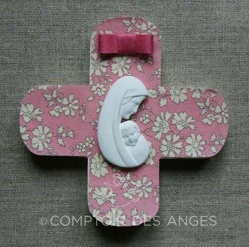 Croix modèle A, Vierge à l'enfant et liberty