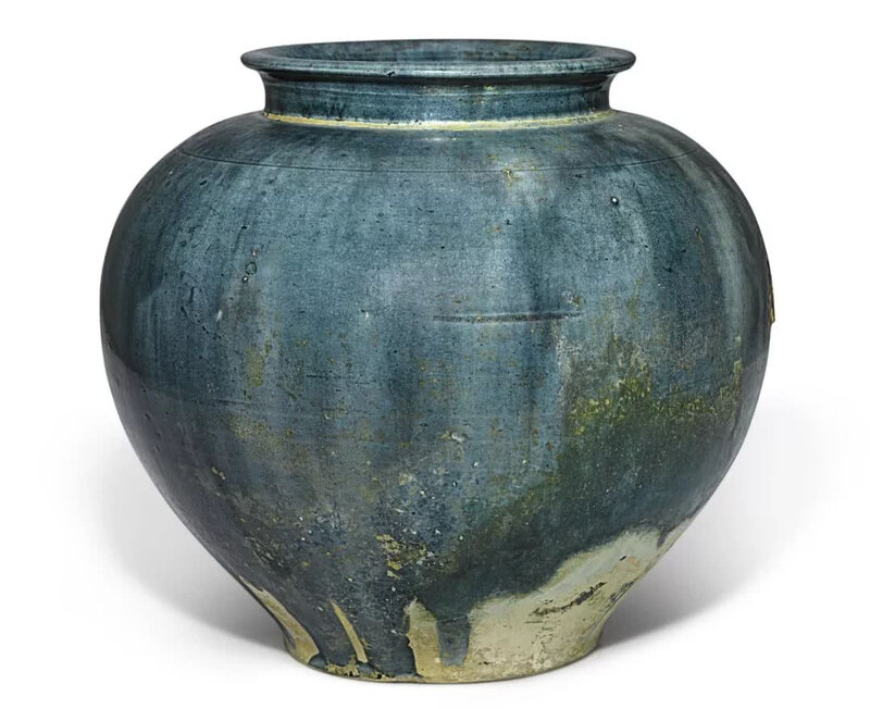 A superb blue-glazed pottery jar, Tang dynasty (618-907)