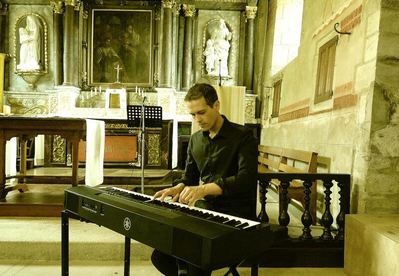 Chant choral gospel liturgique •musique pour messe de mariage •groupe de musique •chanteurs • animatrice •Rouen Le Havre La Baule Poitiers Lorient Paris