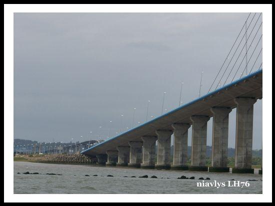 Pont de Normandie vue de la Seine 10