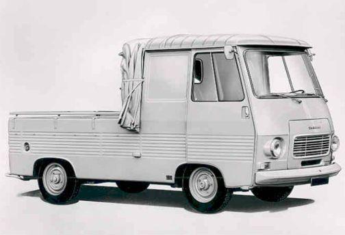 peugeot_j7_pickup_bw_1970