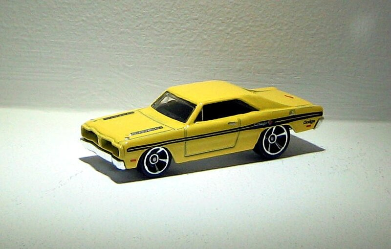 Dodge charger brazilian de 1974 (2014)(Hotwheels)